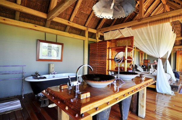 jao resort safari 10 600x398 African Interior Design at Jao Camp Safari Resort