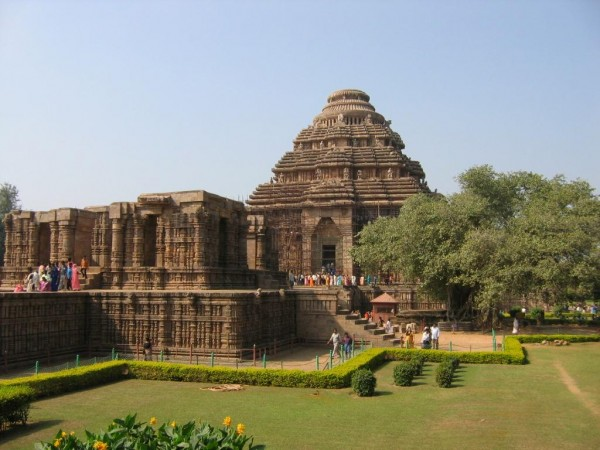 konark sun temple 600x450 100 Most Famous Landmarks Around the World