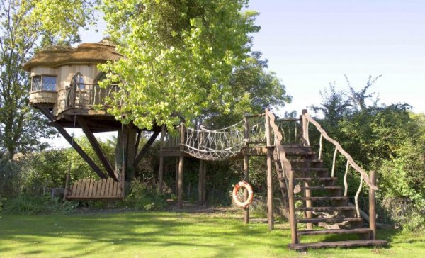 large 28 gallery image 600x364 Outstanding Luxury Tree Houses Designs by Blue Forest
