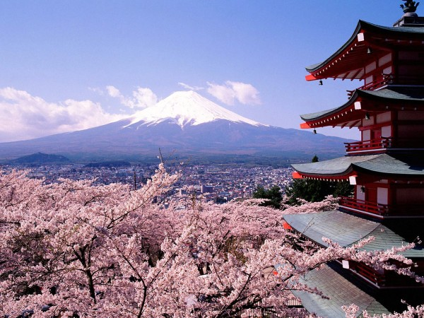 mount fuji 600x450 100 Most Famous Landmarks Around the World
