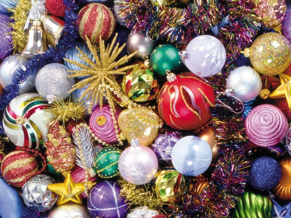 ornaments bauble.jpg 10 600x450  Bauble   the Most Popular Christmas Ornament Design