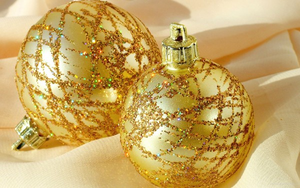 ornaments bauble.jpg 6 600x375  Bauble   the Most Popular Christmas Ornament Design
