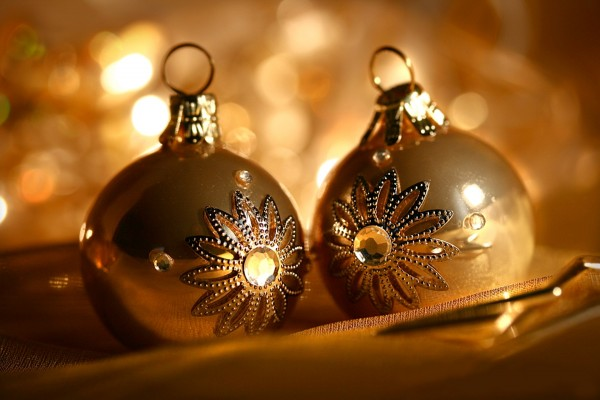 ornaments bauble.jpg 8 600x400  Bauble   the Most Popular Christmas Ornament Design