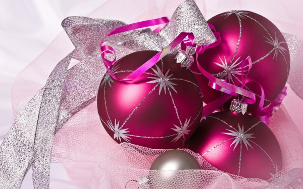 ornaments bauble.jpg 9 600x375  Bauble   the Most Popular Christmas Ornament Design