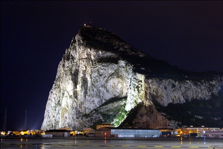 rock of gibraltar1 100 Most Famous Landmarks Around the World