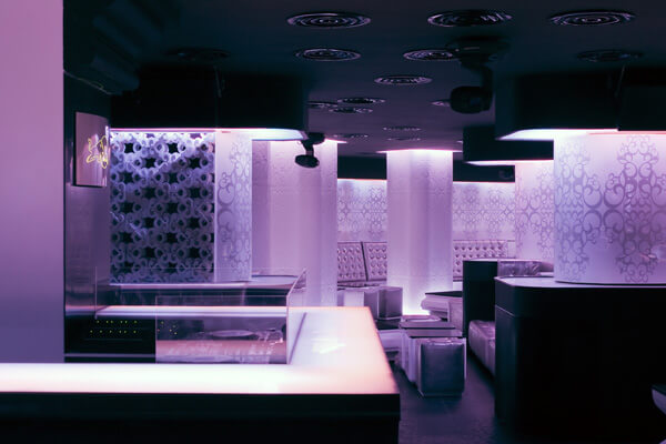 shade club7 Modern and Glamorous Design Defining a Club in Bucharest, Romania