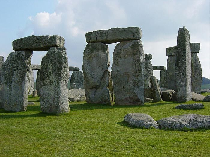 stonehenge 100 Most Famous Landmarks Around the World