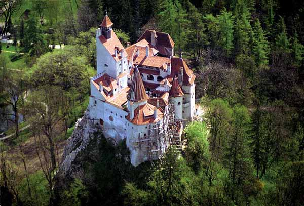 Dracula Bran Castle Amazing Gothic Arhitectural Design