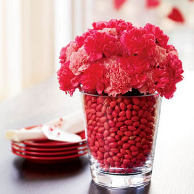 Valentines Day Candy and Flowers Romantic Table Decorations Ideas for Valentines Day