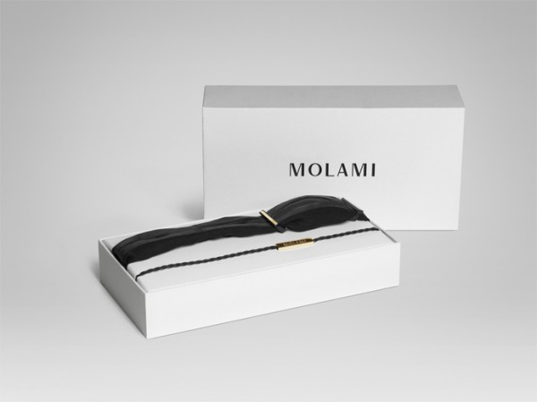 original  0024 molami openbox twine black goldjpg 6723 600x449 Luxury Headphones with an Innovative Design