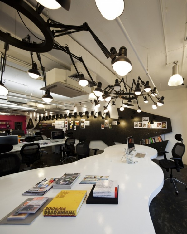 sms saatchisaatchi 23 600x750 Playful and Inspiring Design Solutions for Saatchi&Saatchis Office in Bangkok