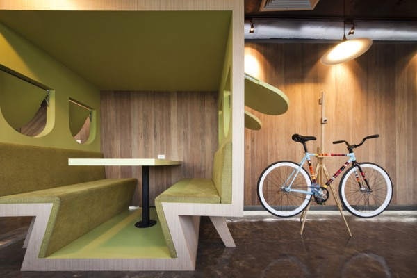 sms saatchisaatchi 28 600x400 Playful and Inspiring Design Solutions for Saatchi&Saatchis Office in Bangkok