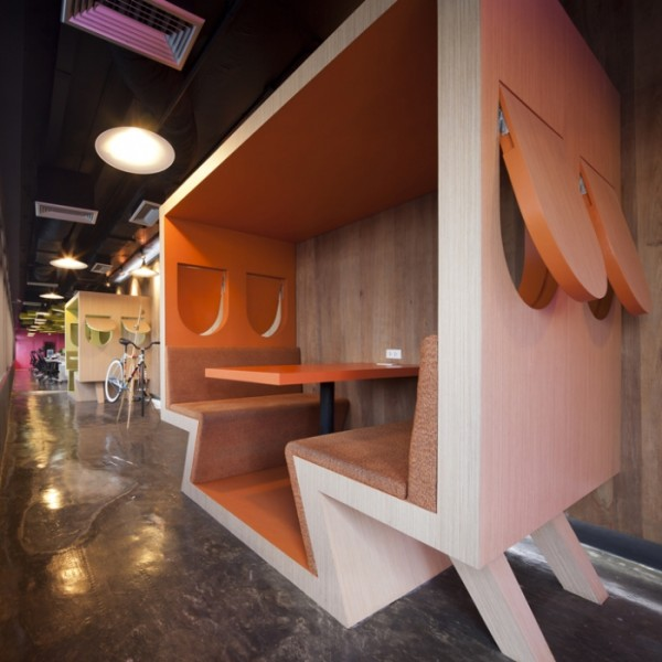 sms saatchisaatchi 31 600x600 Playful and Inspiring Design Solutions for Saatchi&Saatchis Office in Bangkok