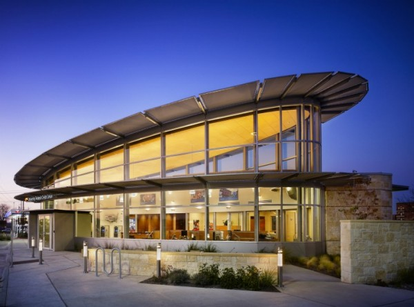 UFCU Ben White Branch 600x445 Sustainable Building for UFCU Ben White Branch in Texas