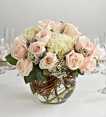 valentines day centerpiece Vibrant Valentines Day Flowers Centerpiece Ideas