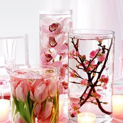 valentines day centerpiece1 Vibrant Valentines Day Flowers Centerpiece Ideas