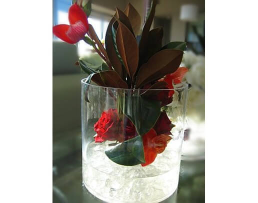 valentines day flower centerpiece10 Vibrant Valentines Day Flowers Centerpiece Ideas