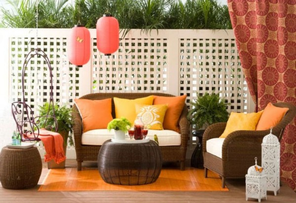Allison Lind colorful outdoor space 600x412 10 Designs Ideas to Create Colorful Outdoor Spaces