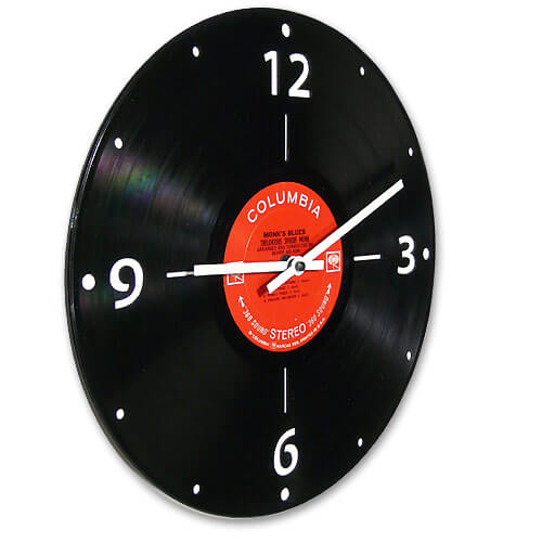 Jeff davis clock recycled records 22 Decorative Objects Ideas Using Old Vinyl Records