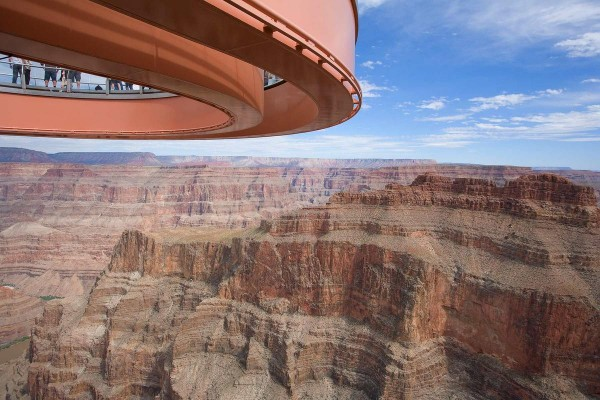 Skywalk0224 600x400 Grand Canyon Skywalk, a Transparent Feel of Freedom