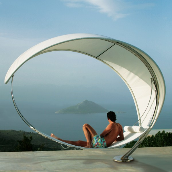 WaveWhite hammock 600x600 The Wave Hammock, a Unique Leisure Creation