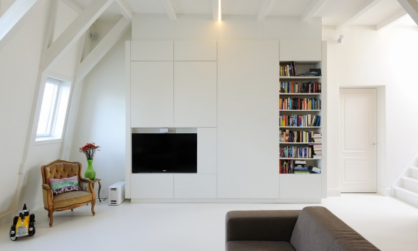 apartment in amsterdam1 600x360 Bright Contemporary Apartment Reflecting Eye Catching Details