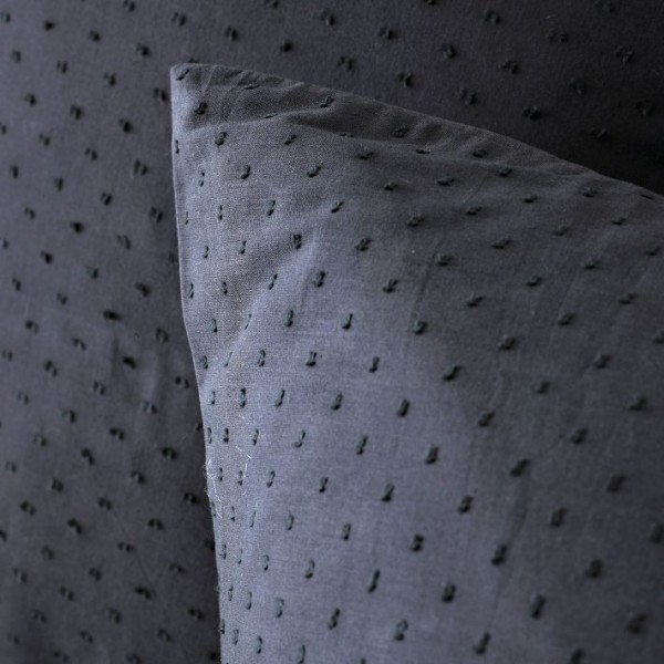 bedding 55 600x600 10 Splendid Bedding by West Elm