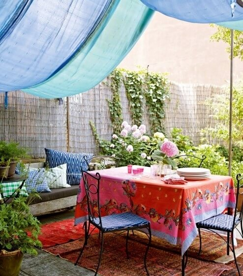 colorful outdoor space4 10 Designs Ideas to Create Colorful Outdoor Spaces