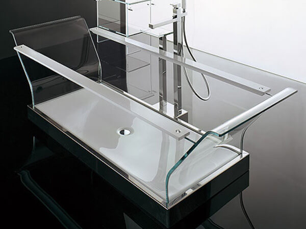 8 Modern Clear Glass Bathtubs