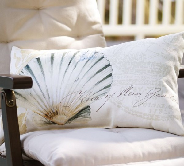 outdoor pillow shell decoupage 600x540 20 New Outdoor Pillows Models from Pottery Barn