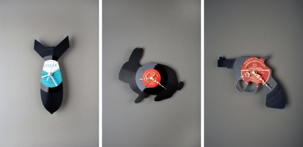 recycled vynil record creative clocks 600x292 22 Decorative Objects Ideas Using Old Vinyl Records