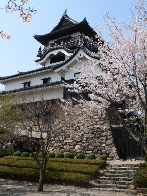 Inuyama Castle japan1 600x800 4 Amazing Japanese Castles Designated National Treasures