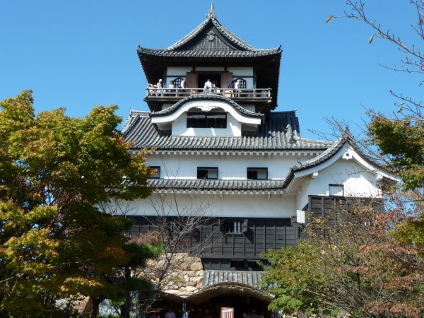 Inuyama castle japan1 600x450 4 Amazing Japanese Castles Designated National Treasures