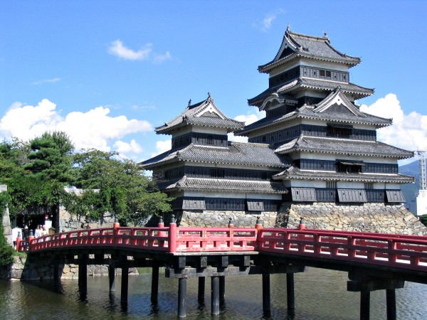 Matsumoto Castle japan 600x450 4 Amazing Japanese Castles Designated National Treasures