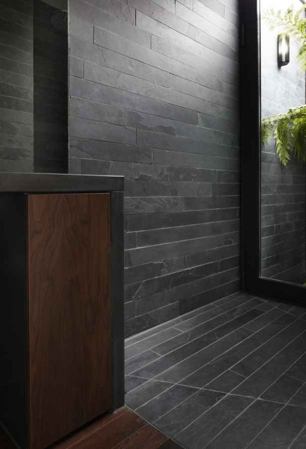 kingsley place house bathroom 600x879 Contemporary Architecture of a House in London