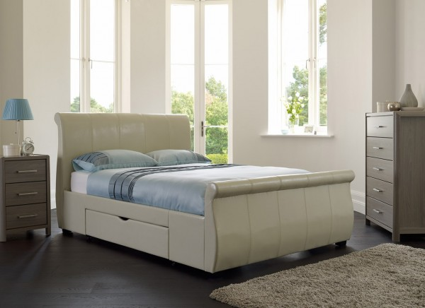 manhattan ivory 1 600x436 How to Know If a Queen Sized Bed is Right for You