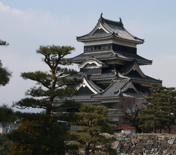 matsumoto castle japan2 600x529 4 Amazing Japanese Castles Designated National Treasures