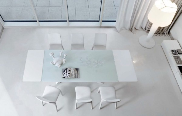 tables big table design bonaldo 600x385 8 Tables Designs Reflecting Italian Taste for Contemporary Home