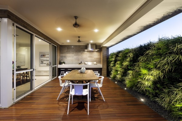 051 600x400 Add Greenery to Your Interior Space Using Vertical Gardens