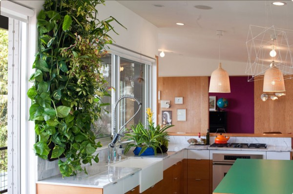 Woolly Pockets kitchen foto4 600x398 Add Greenery to Your Interior Space Using Vertical Gardens