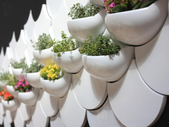 ceramic pockets foto8 Add Greenery to Your Interior Space Using Vertical Gardens