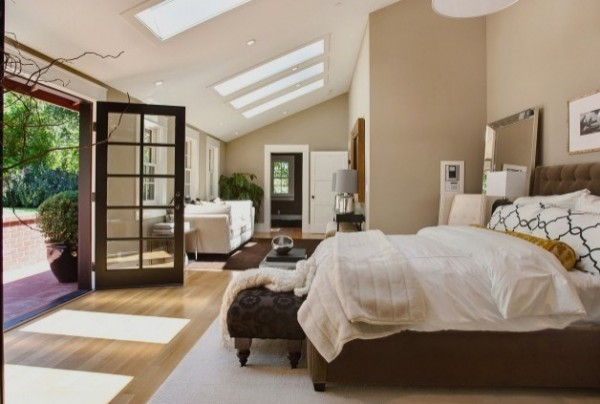 contemporary bedroom designs 600x404 15 Beautiful and Contemporary Bedroom Designs