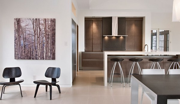 design 600x348 Minimalist Interior Design Defines the Laurentian Long House