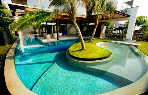 gorgeous-swiming-pool-in Singapore