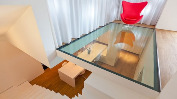 glass-transparent-floor