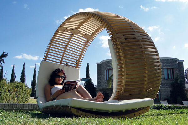 Chaise Longue Loopita Bonita 05 Loopita Bonita: Outdoor Double Lounger with a Roller Coaster Look