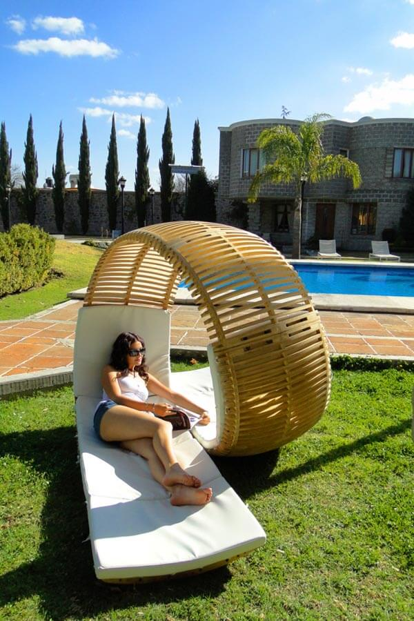 Chaise longue Loopita Bonita 04 Loopita Bonita: Outdoor Double Lounger with a Roller Coaster Look