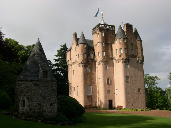 Craigievar Castle Scotland 02 600x450 7 Most Renowned Scottish Castles