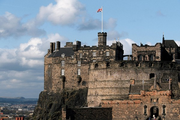 Edinburgh Castle Scotland 02 600x399 7 Most Renowned Scottish Castles