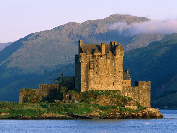Eilean Donan Castle Scotland 011 600x450 7 Most Renowned Scottish Castles